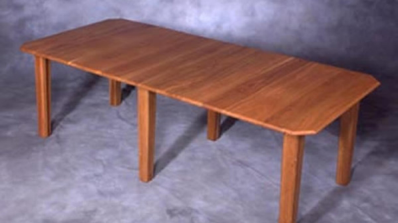 Cherry table with double extensions