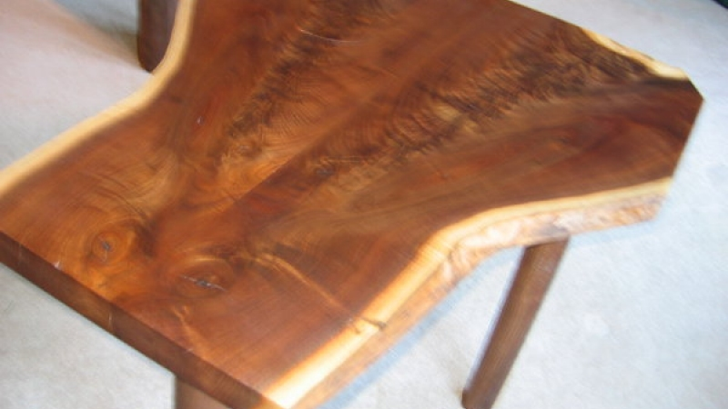 "Matching side table 18"" x 28"""