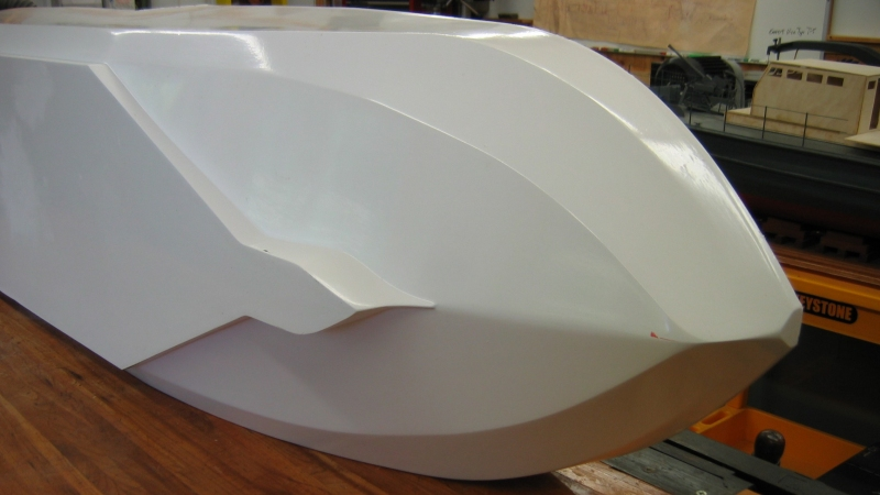 A Robisch 30 MM bow thruster will be in the bow
